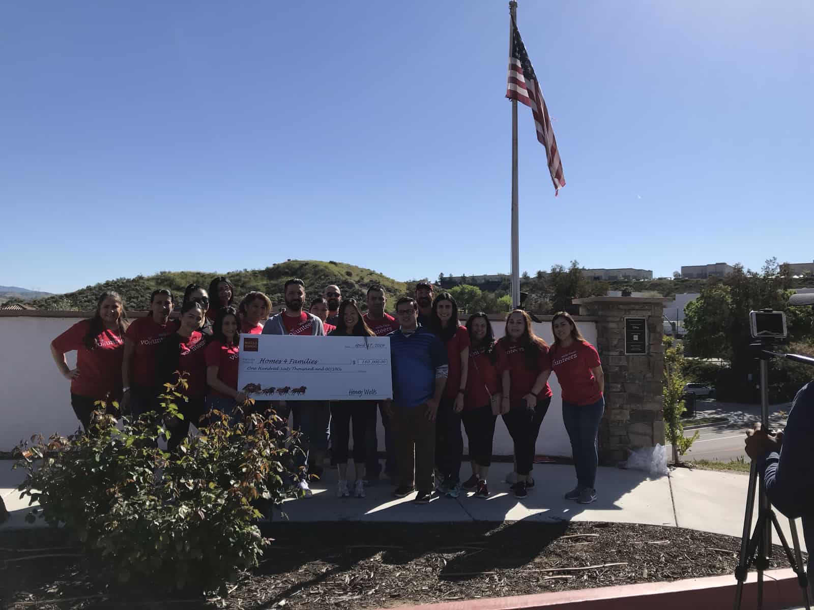 Wells Fargo Presents Grant to Homes 4 Families